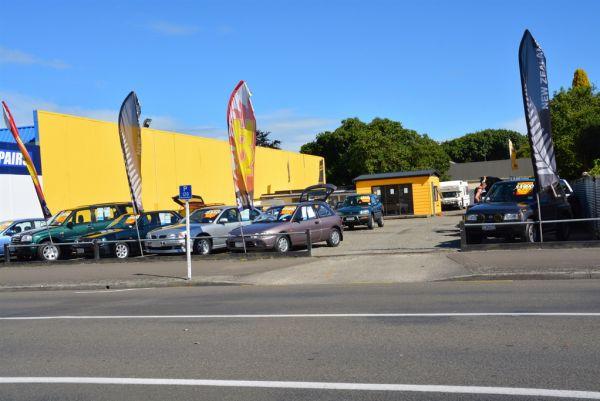 Display/Sales Yard, 131 Grey Street, Palmerston North